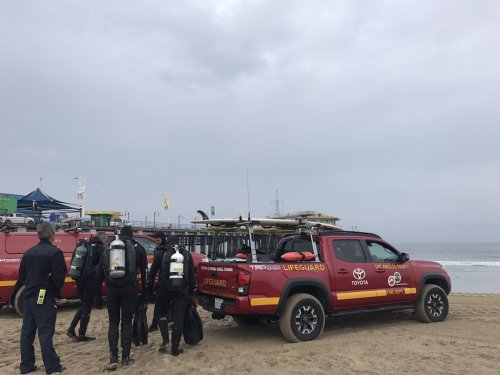 Search suspended for woman in water near Santa Monica Pier