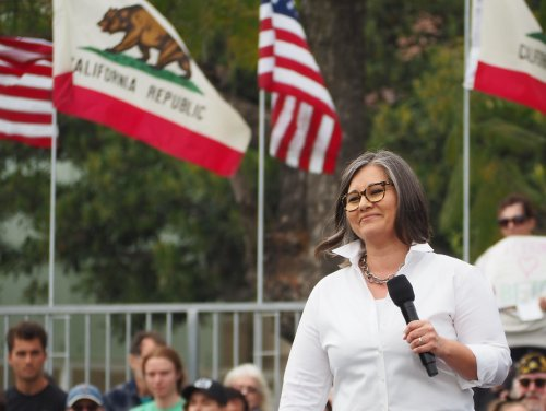 Los Angeles councilwoman calls for ban on strobe lights at protests