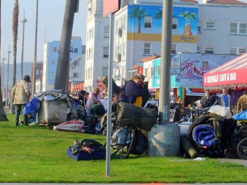 Bonin's plan to house Venice homeless to start Monday despite delayed funding vote