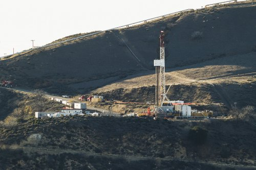 SoCalGas to pay up to $1.8 billion over Aliso Canyon gas blowout near Porter Ranch