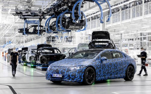 Mercedes ups its range number for EQS—and it might top Model S