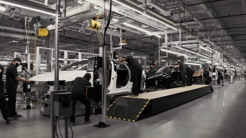 Here's how the Lucid Air is made: Hint, it's not in a tent