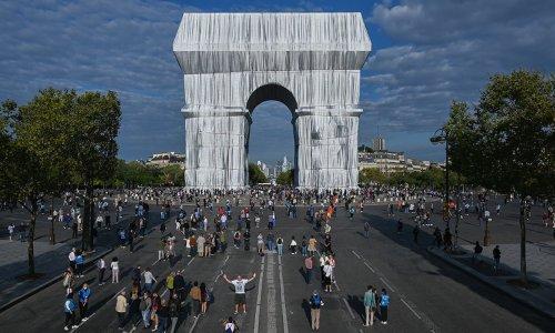 'L'Arc de Triomphe, Wrapped,' Fulfils Christo's Final Wish