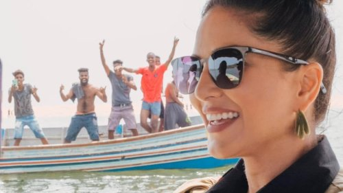 Sunny Leone wants internet to identify these excited fans in her pic