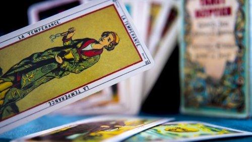 Weekly Tarot Card Readings: Tarot prediction for April 18-April 24