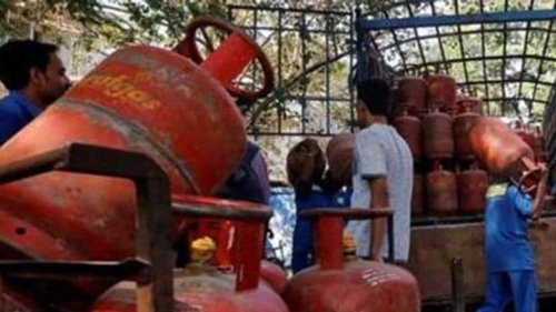 Centre proposes sale of small LPG cylinders at ration shops