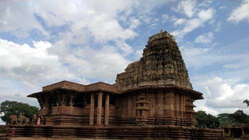 Musical pillars, floating bricks adorn 800-year-old Ramappa temple