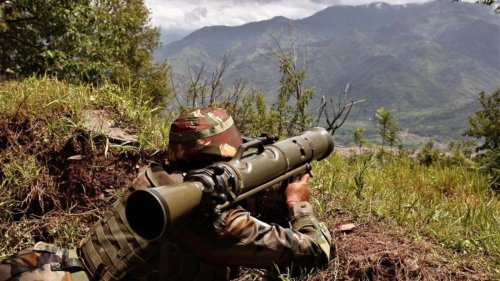 Jammu and Kashmir: Heavy exchanges continue in Poonch on Day 10