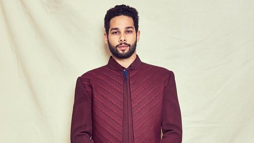 Siddhant Chaturvedi recites poem on empathy amid the pandemic: 'The ambulances make me scared'