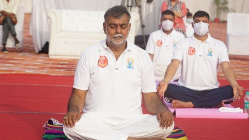 Young generation should make yoga a part of life: Union Culture Minister