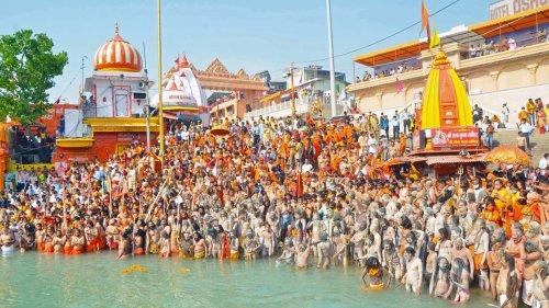 'Overcrowding not appropriate': Niranjani Akhada announces conclusion of Kumbh