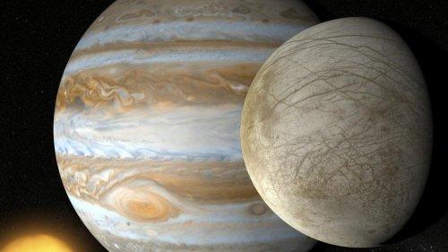 Jupiter's moon Europa may host life