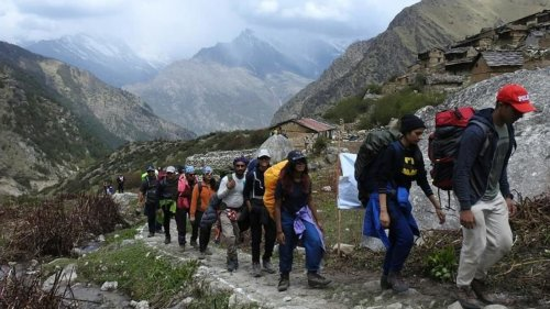 Pakistani signals detected in Himachal after PST time shows on trekkers' mobiles