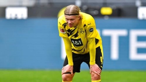 Dortmund striker Erling Haaland out with hip muscle injury