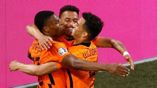 Euro 2020: Depay, Dumfries score as Netherlands qualify for last 16 after beating Austria