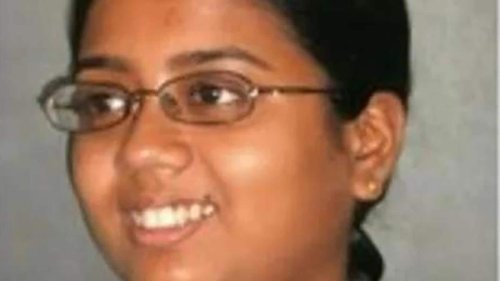 Former Bengal CPI(M) leader's daughter responds to show cause for article on CM Mamata