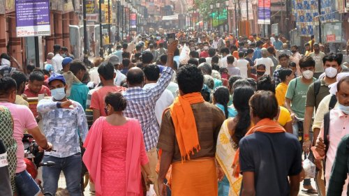 Covid-19 norms flouted amid rush at UP temple