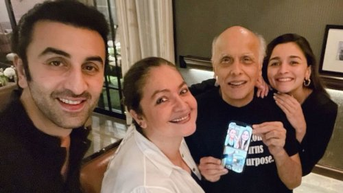 Inside Mahesh Bhatt's birthday party: Alia Bhatt turns 'setting girl', Ranbir Kapoor joins celebrations, see photos