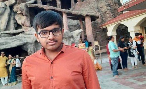 Purvang Shihora, Digital Expert and Entrepreneur from Gujarat