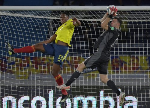 Report shares what Aston Villa's Martinez told Everton's Mina after Copa America incident