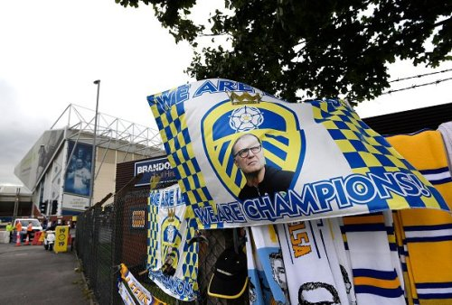 'Give him a new contract': Club hero reacts as Leeds reportedly target £20m, 16-goal star