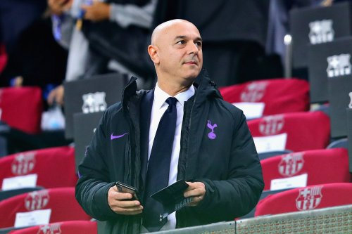 Report: After Ten Hag meeting, Levy has now spoken to unemployed boss about Spurs job