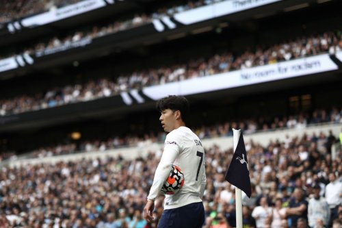 Photo: Son Heung-min swaps shirts with player Tottenham wanted to reunite him with in 2018
