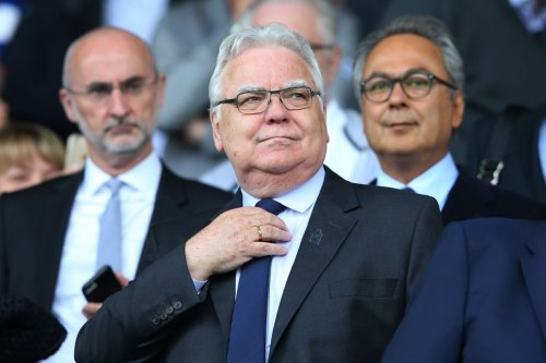 Journalist claims 'Kenwright is pushing' for one manager at Everton after David Moyes' new deal