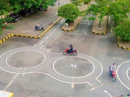 Thi bằng lái xe máy A1 có khó không? - Học Lái Xe 12h