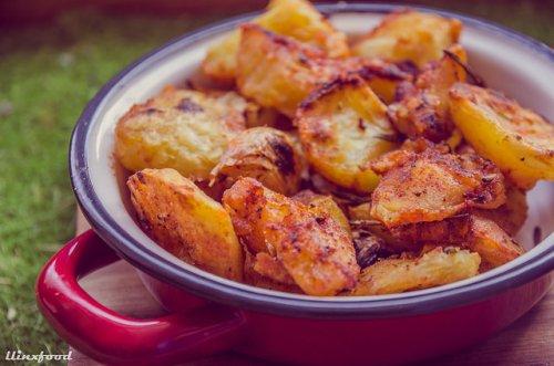 Patatas asadas al romero, pimentón y vino blanco | llinxfood