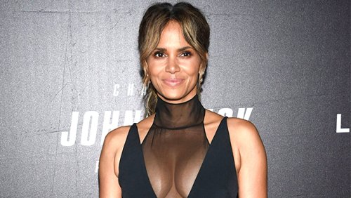 Halle Berry Rocks Just Heels In Sexy Bathtub Pic: 'You Up?'