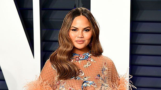 Chrissy Teigen: What It Means To Have A Weak Placenta & How Bedrest Helped Her – OB-GYN Explains