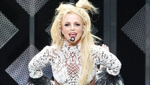 Britney Spears Dances In Tiny Crop Top & Short Shorts While Jamming Out To Lenny Kravitz