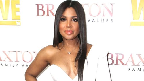 Toni Braxton, 53, Looks 'Red Hot' In Sexy String Bikini While Rocking Shaved Head – Watch