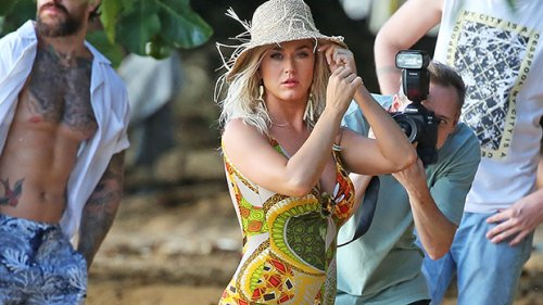 Katy Perry Slays In Red Swimsuit While On Getaway In Hawaii With Orlando Bloom — Photo