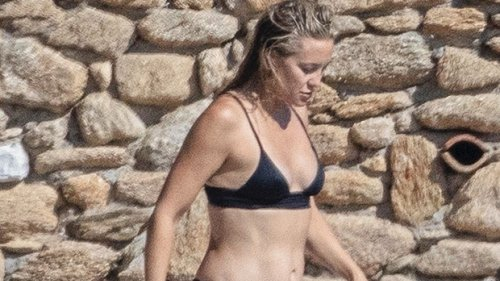Kate Hudson Hits The Beach In String Bikini With Mom Goldie Hawn On Family Vacation: See Pic