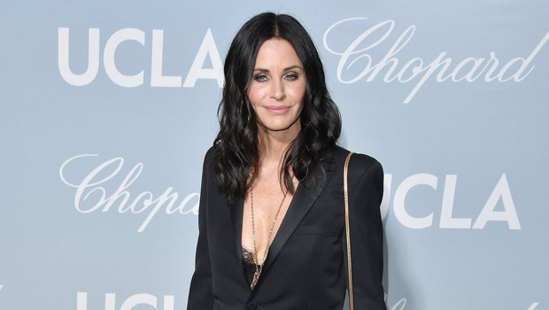 Courteney Cox Confirms She'll Return As Reporter Gale Weathers In 'Scream 5'