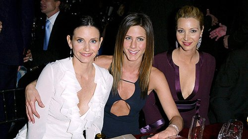 Jennifer Aniston & Courteney Cox Post Sweet Tributes For BFF Lisa Kudrow's Birthday: 'Love You'
