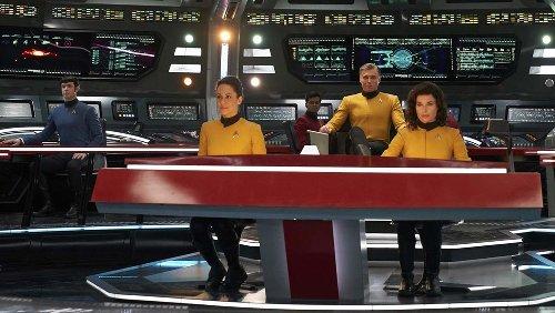 'Star Trek' Showrunner Discusses 'Strange New Worlds' Plan, Evolving Q for 'Picard'