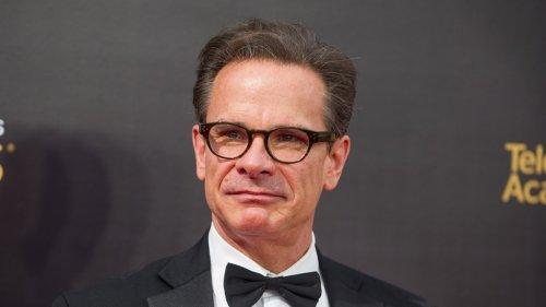 Peter Scolari, Emmy-Winning 'Bosom Buddies' Actor, Dies at 66