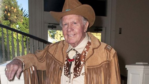 Chuck Hicks, Stuntman and Actor in Clint Eastwood Films and 'Dick Tracy,' Dies at 93
