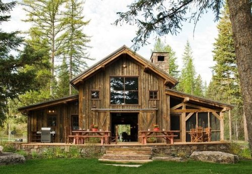 Rustic cabin in Swan Valley made mainly of wood and stone