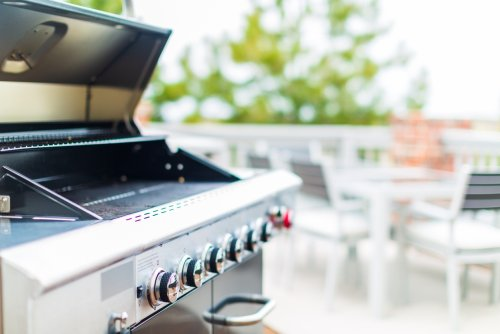Stainless Steel Grills Have All The Features You Need for Great Cook-Outs