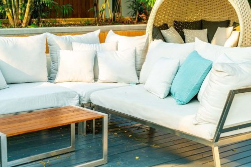 4 Best Ways to Furnish Your Outdoor Patio with Chic Furniture