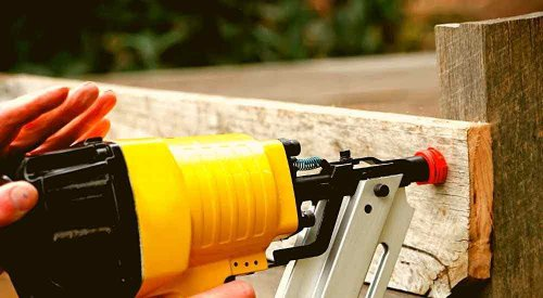 5 Best Nail Gun For Fencing |May 2021| Homvela.com