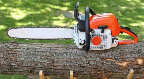 How Much Does a Chainsaw Weigh | A Quick Guide | HomVela - HomVela