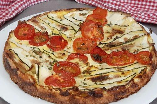 Tomaten-Zucchiniquiche mit Haferflockenboden - wenig Kalorien