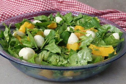 Pfirsich Caprese Salat - ein fruchtiger Sommersalat