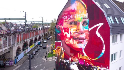 """Together we can"": So phantasievoll interpretieren Street-Art-Künstler den neuen Vodafone-Markenauftritt"