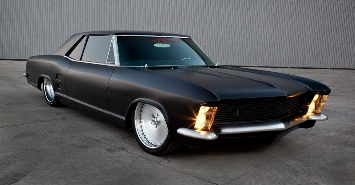 10 Biggest And Most Flamboyant American Cars Ever